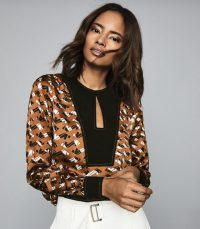 REISS FELICITY PRINTED BLOUSE RUST ~ keyhole front blouses