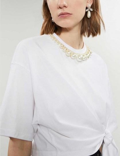MIU MIU Faux-pearl-trim cotton-jersey T-shirt in Bianco / white embellished neckline tie-waist tee - flipped