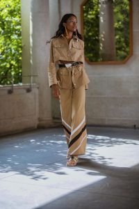 70s inspired outfits / Rosie Assoulin RTW Spring 2020
