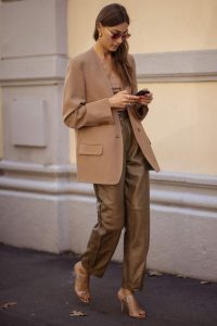Brown tonal street style outfits