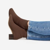 EVERLANE The Glove Boot ReKnit in Tobacco / ribbed boots
