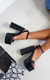 Ikrush Chloe Chunky Platform Heels in Black – going out heels