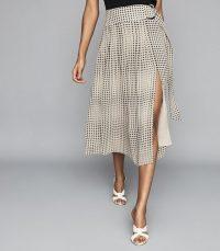 Reiss JORJA PLEATED SKIRT WITH D-RING BELT BLACK/WHITE | split skirts