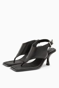 TOPSHOP NOVELLA Black Shoes / toe post sandals