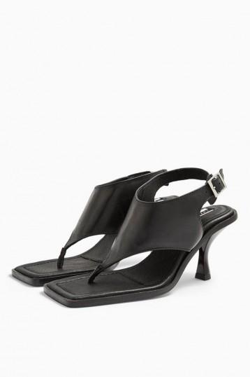 TOPSHOP NOVELLA Black Shoes / toe post sandals