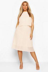 Boohoo Plus Occasion Pleated Midi Dress Blush – curvy size celebration wear