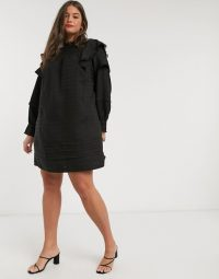 Vero Moda Curve textured smock with broderie in black | vintage style fashion