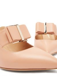 SALVATORE FERRAGAMO Zelda point-toe leather mules in pink=beige