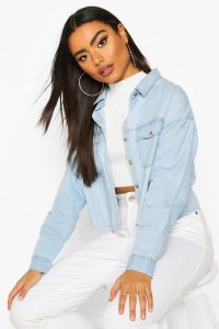 Cropped Oversized Denim Shirt – boohoo