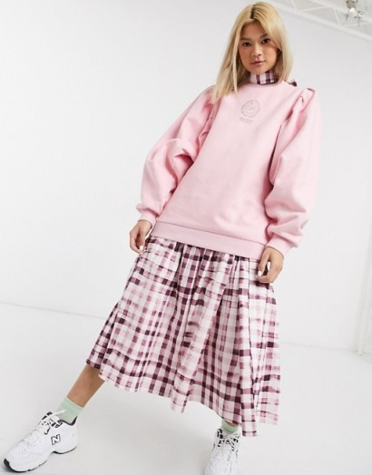 Damson Madder organic cotton relaxed sweatshirt with extreme sleeves and front and back print baby pink