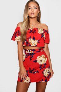 70s Fashion – Floral Ruffle Top and Mini Skirt Set – boohoo