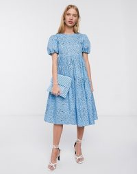 Glamorous midi smock dress with tiered skirt and volume sleeves in blue black floral