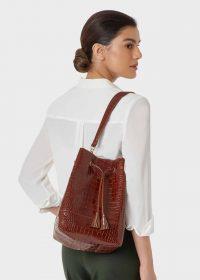 HOBBS HAMPSTEAD BUCKET BAG COGNAC / rich brown-leather shoulder bags