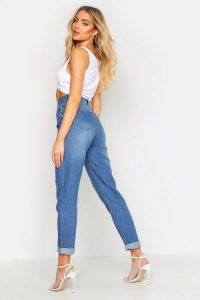 High Rise Mid Wash Mom Jeans – boohoo