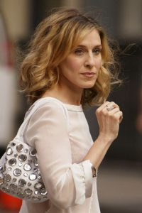 SJP wavy bob ~ shoulder length celebrity hair