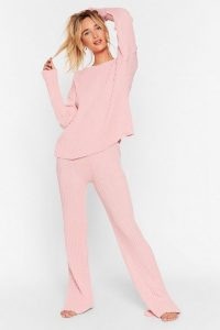 Loungewear – NASTY GAL Recycled Shake Knit Off Jumper and Trousers Lounge Set