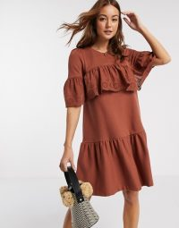 River Island short sleeve broderie frill dress in rust – ruffled dresses