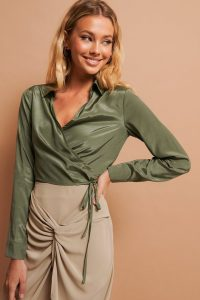 NA-KD Tie Detail Cropped Shirt Green