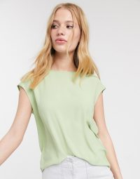 Warehouse satin tipped tee in pistachio-green