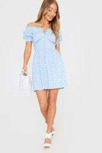 IN THE STYLE BLUE POLKA DOT PUFF SLEEVE MINI DRESS / bardot dresses