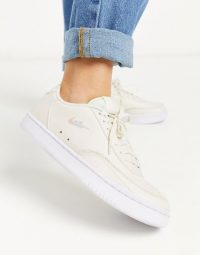 Nike Court Vintage trainers in cream – neutral sneakers