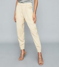 REISS CHANTELLE MID RISE TAPERED JEANS ECRU ~ luxe joggers