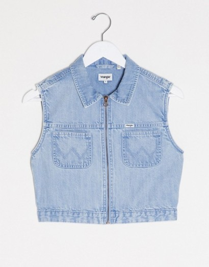 Wrangler western cropped denim sleeveless shirt in lightwash blue sun fade