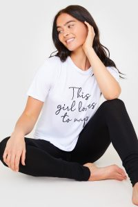 BILLIE FAIERS WHITE 'THIS GIRL LOVES TO NAP' SLOGAN TSHIRT AND LEGGINGS SET / mono loungewear