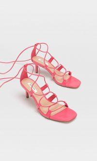 STRADIVARIUS Heeled sandals with tied straps fuchsia – strappy heels
