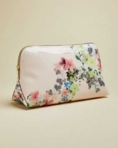 TED BAKER TOSHIKO Pergola wash bag in baby pink / toiletry bags
