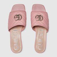 GUCCI Women's slide sandal with Double G in Pastel pink matelassé chevron leather