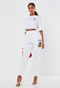 playboy x missguided white butterfly graphic joggers – printed jogging pants