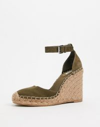 Pull&Bear espadrille wedges in khaki – green ankle strap wedged espadrilles