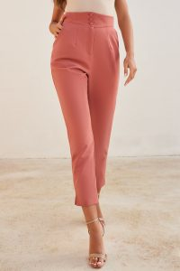 LAVISH ALICE button detail tapered trouser in dusty rose – cropped pants