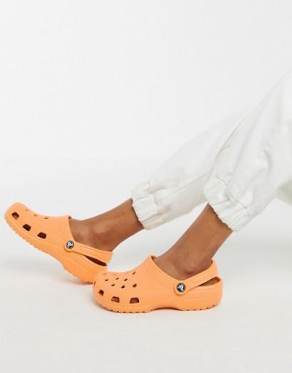 Crocs classic shoe in orange