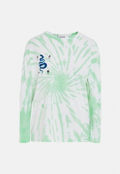 MISSGUIDED green tie dye snake graphic t shirt / long sleeve tee - flipped