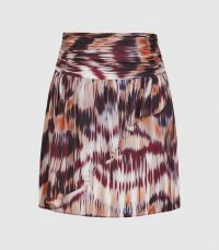 REISS JOSEPHINE PRINTED MINI SKIRT BERRY ~ front ruffled skirts