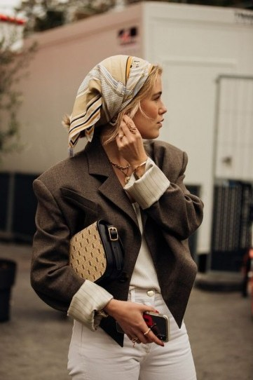 Chic in neutral tones - flipped