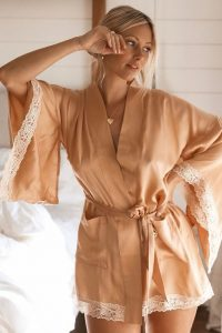 SPELL and the GYPSY COLLECTIVE WILD LOVE SILK SHORT ROBE Peach | lace trimmed robes