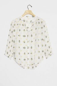Anthropologie Lisabetta Embroidered Shirt / relaxed fit curved hem shirts
