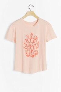 Kenny Coil Sun Shines Graphic Tee / peach coloured slogan T-shirt