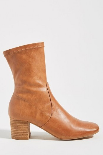 Silent D Cabre Boots / classic brown autumn boot / footwear essentials - flipped