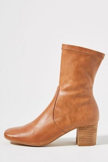 Silent D Cabre Boots / classic brown autumn boot / footwear essentials