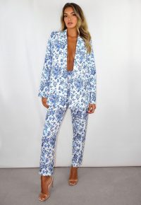 missguided blue porcelain print co ord basic cigarette trousers – flower & bird print pants