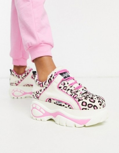 Buffalo London Lowtop Trainer in White and Pink Leopard / girly sneakers - flipped