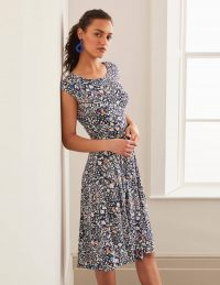 Boden Esmeralda Jersey Dress – Navy, Garden Dream