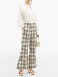 GUCCI Flared checked-wool trousers / chic flares