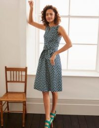 Boden Mischa Belted Dress – Navy, Daisy Petals