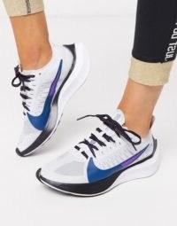 Nike Running Zoom Gravity in grey – run free
