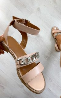 ikrush Nikki Chain Detail Sandals in Pink – summer ankle strap flats